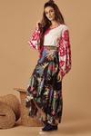 Saia-Transpassada-Preta-Floral-Hippie-Chic-frente