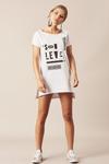 Camiseta-Branca-Sou-Leve-yacamim-pose