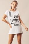 Camiseta-Branca-Sou-Livre-Yacamim-frente