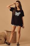 Camisa-Musica-Preta-borboleta-yacamim-longe