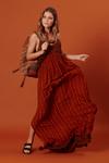 Vestido-longo-com-fendas-patchwork-yacamim-frente--Copia-