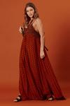 Vestido-longo-com-fendas-patchwork-yacamim-lado