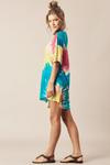 Camiseta-com-Fendas-Laterais-Yacamim-Frente
