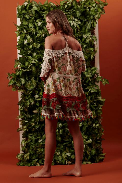 Bata-Ampla-com-rendas-floral-yacamim-costas