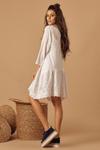 Vestido-branco-bordado-Yacamim-Lado