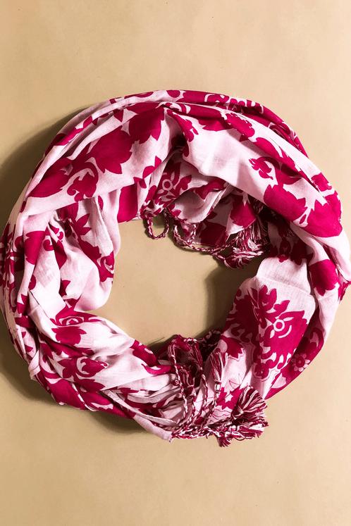 Lenco-Branco-com-rosa-Yacamim-enrolado