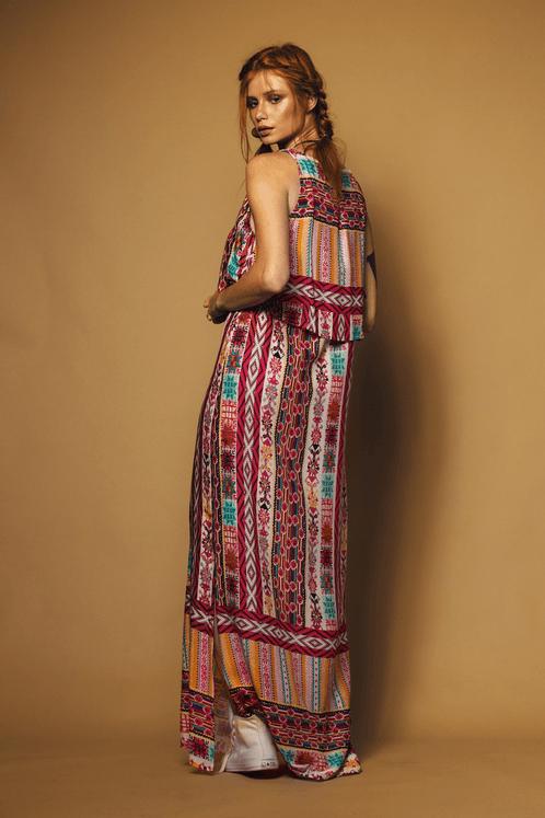 Vestido-longo-com-sobre-posta-Yacamim-Costas