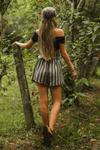 Shorts-listrado-yacamim-costas