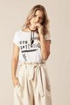 Camisa-Branca-Sou-autentica-Yacamim-frente