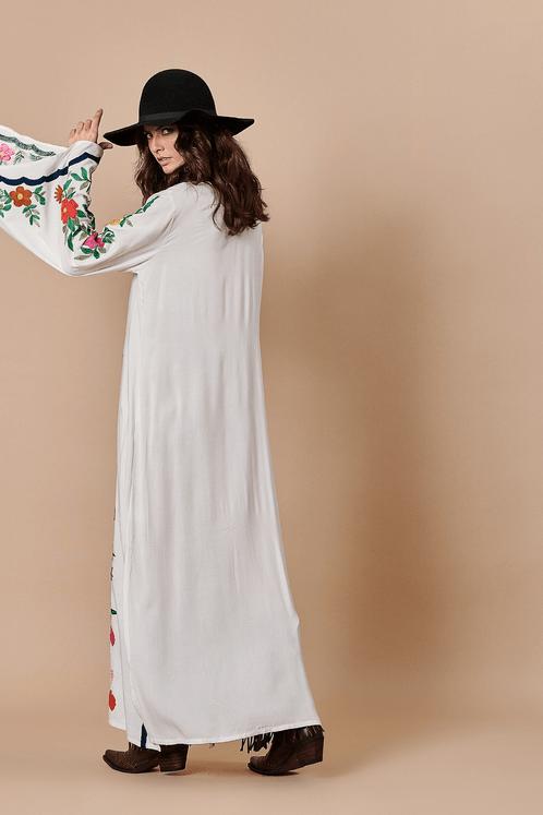 Vestido-longo-bordado-Yacamim-costas