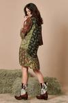 Vestido-curto-patchwork-yacamim-costas