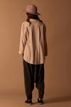 Camisa-Rose-Linho-Yacamim-costas