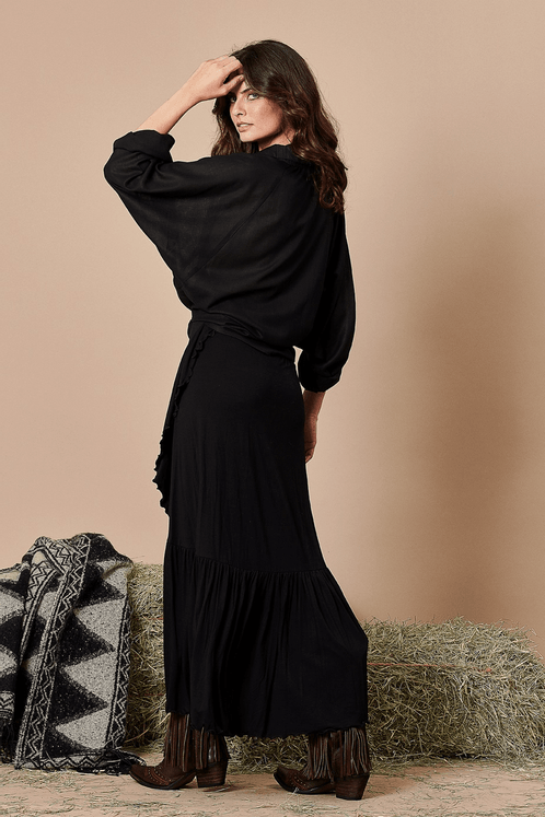 Camisa-com-manga-morcego-Yacamim-costas