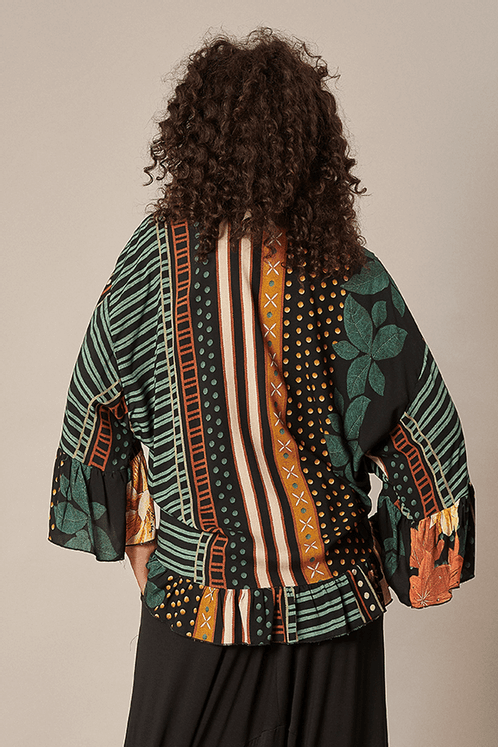 Kimono-com-manga-ampla-yacamim-costas