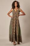 Vestido-Longo-Patchwork-Verde-yacamim-pose