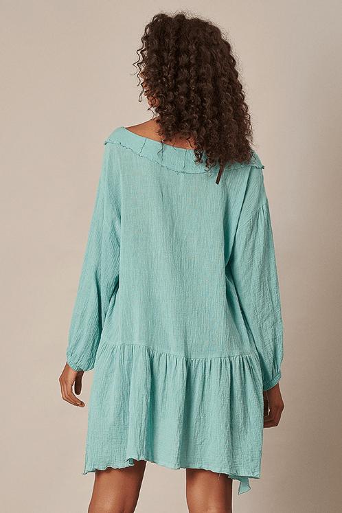 Bata-ampla-fendas-verde-turquesa-yacamim-costas
