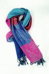 lenco-cashmere-rosa-azul-vermelho-yacamim-detalhe