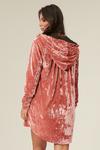 casaco-aberto-veludo-rosa-yacamim-costas