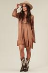 Vestido-curto-marrom-estonado-yacamim-frente