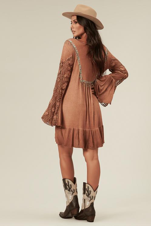 Vestido-curto-marrom-estonado-yacamim-costas