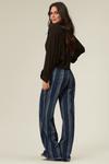 calca-pantalona-azul-listrada-yacamim-costas