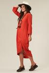vestido-frente-assimetrica-yacamim-pose