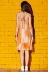 vestido-curto-regatao-com-top-estampa-mexicana-yacamim-costas