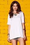Camiseta-branca-decote-V-yacamim-frente