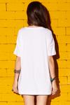 Camiseta-branca-decote-V-yacamim-costas