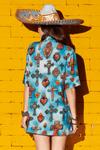 Camisa-Meia-Manga-Azul-Estampa-Colecao-viva-las-cores-yacamim-costas