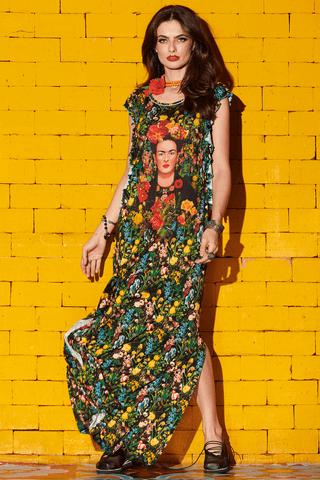 Vestido Longo Com Estampa Frida Kahlo Floral Yacamim Yacamim