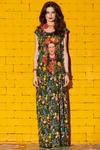 Vestido-Longo-Estampa-Frida-Yacamim-pose