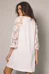Vestido-Curto-Branco-Yacamim-Costas