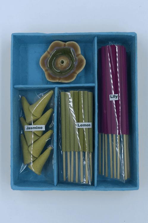 Kit-Incesario-Azul-Yacamim-perto