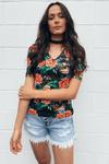 Blusa-Basica-Estampa-Floral-Yacamim-Frente