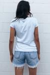 Camisa-Branca-Estampa-Lobo-Yacamim-Costas