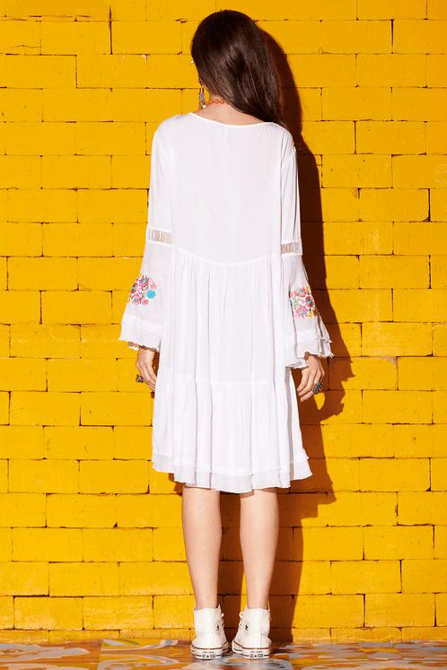 Vestido-Curto-Branco-Bordado-Yacamim-costas