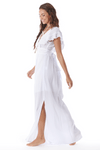 Vestido-Longo-decote-transpassado-Branco-Yacamim-pose