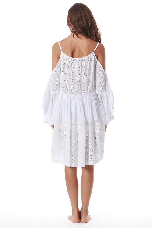 Vestido-Curto-de-Guipure-Branco-Yacamim-costas