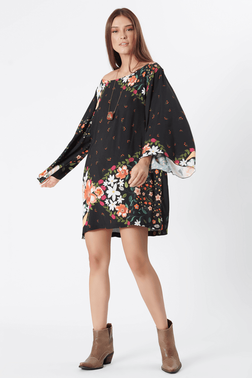 Vestido-Curto-Preto-Floral-yacamim-frente