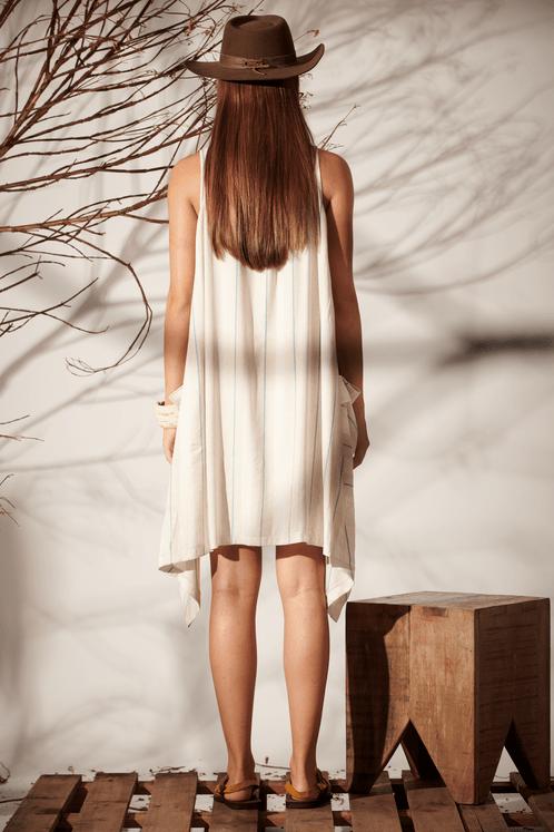 Vestido-Curto-Pontas-Bege-Listrado-Linho-Yacamim-costas
