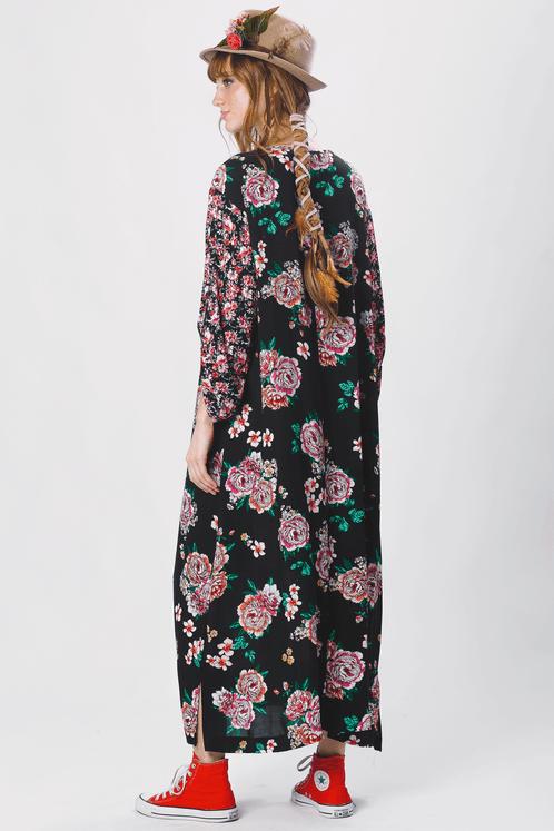 Vestido-preto-floral-midi-yacamim-costas