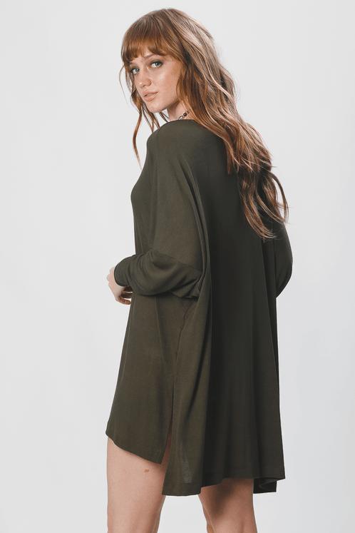 Blusa-Basica-Verde-yacamim-costas
