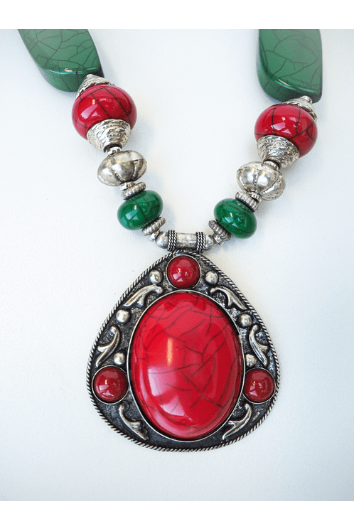 Colar-Indiano-Pedra-Vermelha-Yacamim-hippie-Chic-detalhe