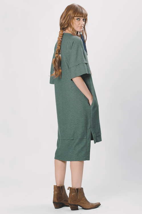 Vestido-Midi-Verde-Yacamim-costas