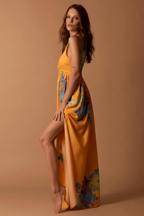 Vestido-Longo-Amarelo-Estampado-Hippie-Chic-pose