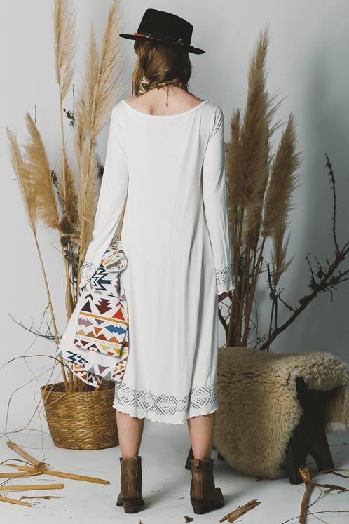 Vestido-Mullet-off-White-Estampado-Yacamim-costas