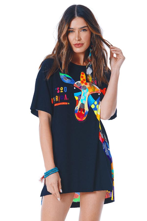 Camiseta-Preta-Estampa-Girafa-Yacamim-perto