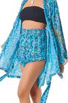 Shorts-Azul-Estampado-Yacamim-perto