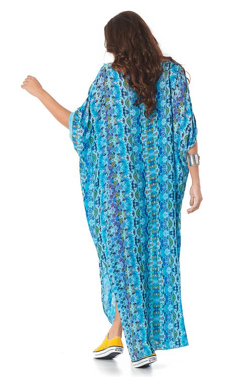 Kaftyan-Longo-Azul-Estampado-Yacamim-costas